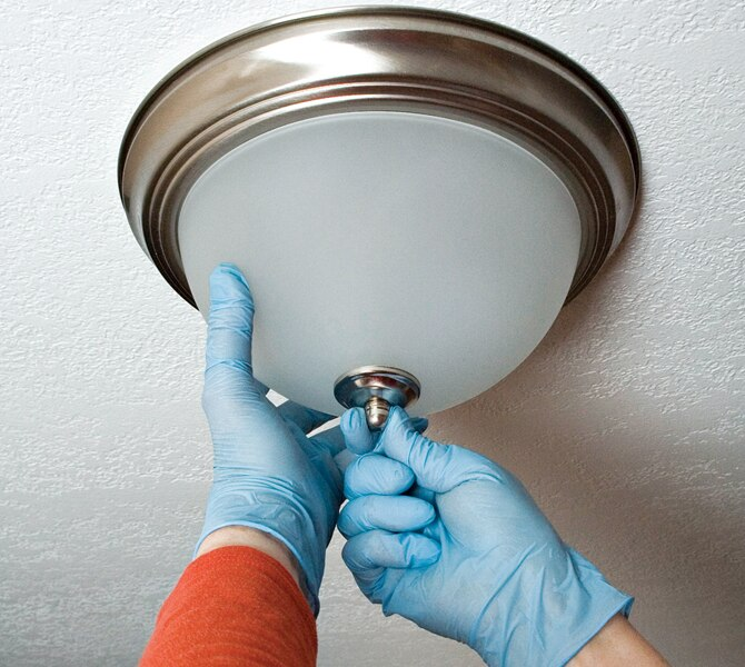 How to replace a ceiling light fixture in simple steps